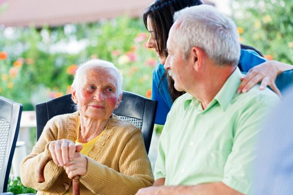 Jakie cechy charakteru powinien mieć dobry opiekun osoby starszej?