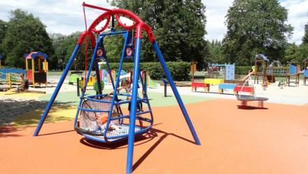 W Tychach powstał plac zabaw dla dzieci niepełnosprawnych