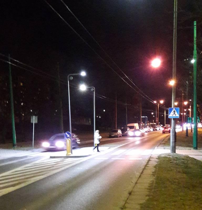 Oświetlenie wertykalne na tyskich przejściach dla pieszych