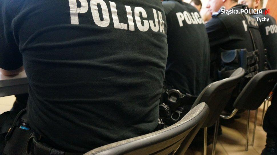 Policyjne zabezpieczenie meczu w Tychach [WIDEO]