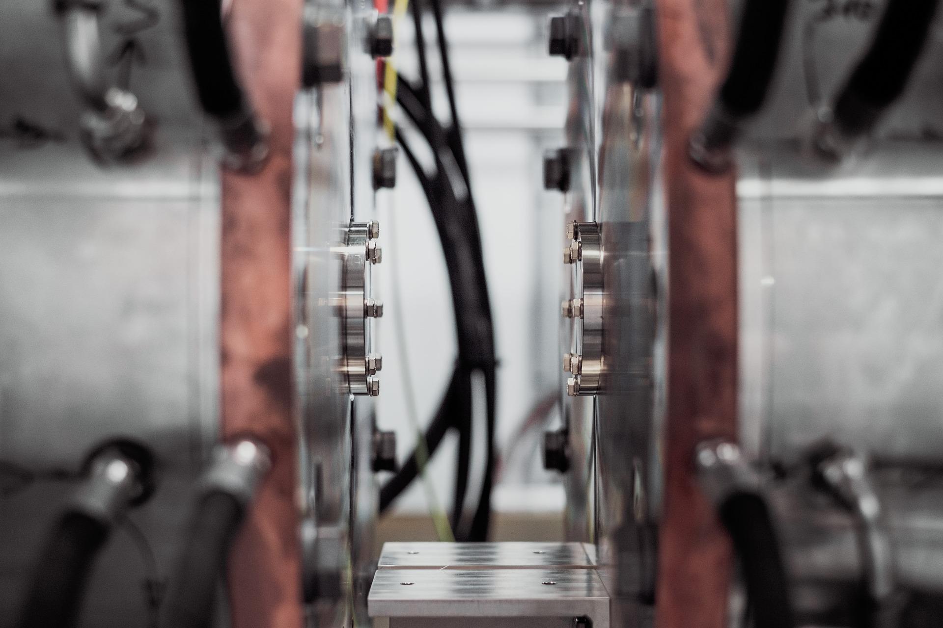 Działalność firmy Fluiconnecto w zakresie hydrauliki siłowej