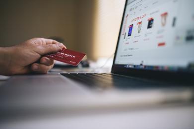 Uwaga na fałszywe strony udające pośredników szybkich płatności