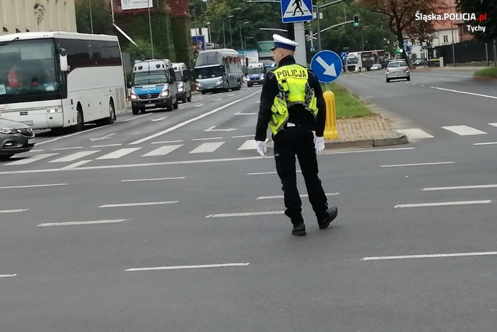 Policjanci zabezpieczali mecz piłki nożnej