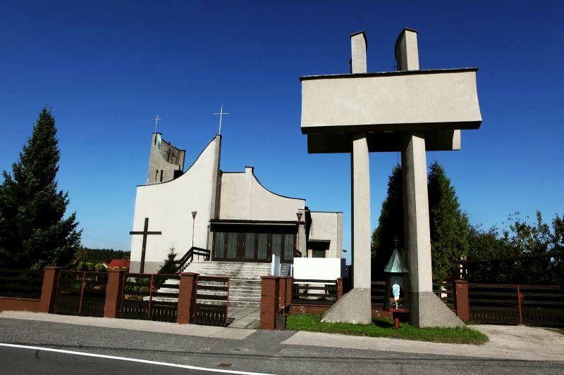 Parafia Wartogłowiec - Kościół pw. św. Józefa Robotnika